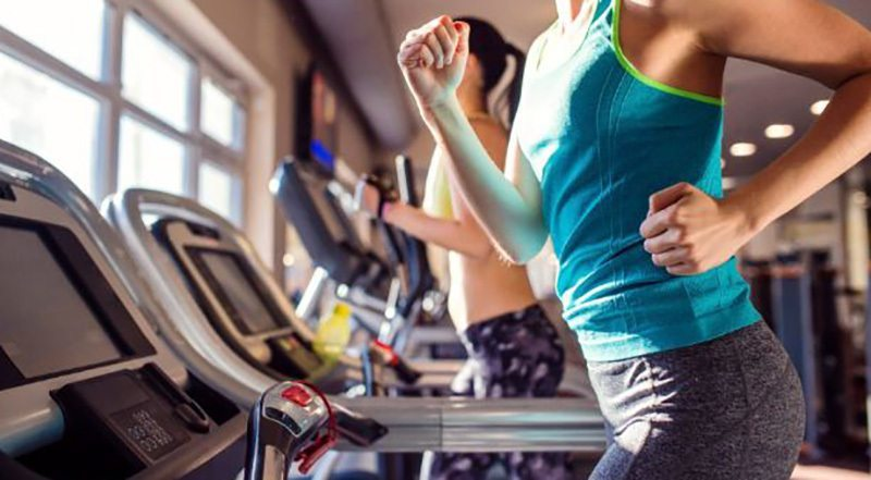 Motivation to burn fat with a supportive machine like a treadmill